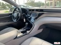 toyota-camry-2019-small-0