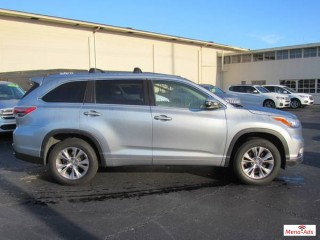 2015 TOYOTA HIGHLANDER XLE AWD FOR SALE.