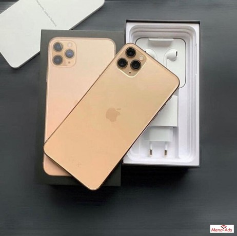 buy-unlocked-apple-iphone-11-pro-iphone-x-whatsapp-13072969231-big-1
