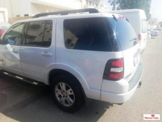 Ford explorer (XLT) 2008 excellent condition very neat and clean